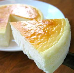 【チーズケーキ食べ比べセット】プレーン(5号)&レア(5号)[岩手県矢巾町]